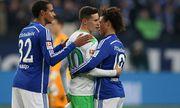 06 02 2016 Joel Matip FC Schalke 04 Julian Draxler VfL Wolfsburg und Leroy Sane FC Schalke 0 / Bild: (c) imago/Pakusch (imago sportfotodienst)