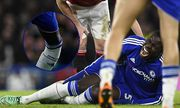 Kurt Zouma of Chelsea screams in pain after injurubg himself during the Barclays Premier League matc / Bild: (c) imago/BPI (imago sportfotodienst)