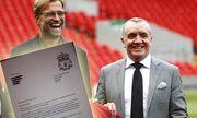 09 10 2015 Anfield Liverpool England Jurgen Klopp Unveiling Jurgen Klopp poses on the Anfield p / Bild: (c) imago/Action Plus (imago sportfotodienst)