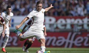 Fußball FC Turin AS Rom Italy Torino FC v AS Roma Serie A Francesco Totti of AS Roma scores du / Bild: (c) imago/Pacific Press Agency (imago sportfotodienst)