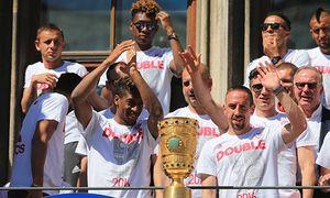 Fußball Double Feier von Bayern München auf dem Rathausbalkon 22 05 2016 DFB Pokal am Rauthaus Mar / Bild: (c) imago/Philippe Ruiz (imago sportfotodienst)