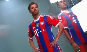 FC Bayern Muenchen Traditional Bavarian Dress Kitting Out / Bild: (c) Bongarts/Getty Images (Alexander Hassenstein)