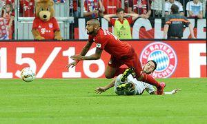Muenchen Arturo Vidal FC Bayern Meunchen wird von Hakan Calhanoglu Bayer 04 Leverkusen gefoult / Bild: (c) imago/Eibner (imago sportfotodienst)