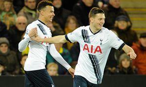 Dele Alli of Tottenham Hotspur celebrate shis goal with Kevin Wimmer 0 1 during the Barclays Premi / Bild: (c) imago/BPI (imago sportfotodienst)