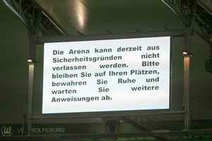 Fußball UEFA Champions League VfL Wolfsburg Manchester United ManU Sicherheitshinweis Anzeigetaf / Bild: (c) imago/foto2press (imago sportfotodienst)