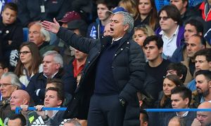 Manchester United ManU manager Jose Mourinho gestures on the touchline during the Premier League ma / Bild: (c) imago/BPI (imago sportfotodienst)