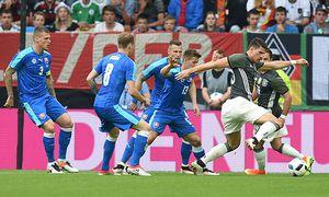 Fussball Herren Saison 2015 16 Benefiz Länderspiel in Augsburg Deutschland Slowakei Martin Sk / Bild: (c) imago/Matthias Koch (imago sportfotodienst)