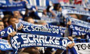 06 02 2016 Schalker Fans in der Nordkurve beim BL Spiel Saison 2015 16 FC Schalke 04 VfL Wolfs / Bild: (c) imago/Pakusch (imago sportfotodienst)