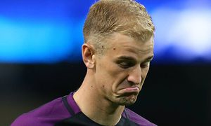 Joe Hart of Manchester City reacts as the fans chant his name during the Champions League Play Off 2 / Bild: (c) imago/Sportimage (imago sportfotodienst)