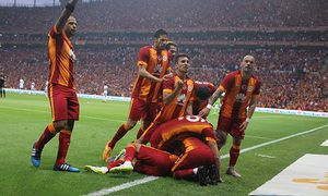 Turkey super league derby match between Galatasaray and Besiktas at Turk Telkom Arena stadium in Ist / Bild: (c) imago/Seskim Photo (imago sportfotodienst)