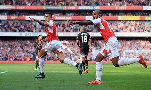 Arsenal s Alexis Sanchez celebrates scoring his sides opening goal Barclays Premier League Arsenal / Bild: (c) imago/Sportimage (imago sportfotodienst)