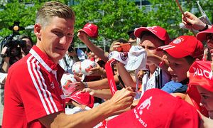 FC Bayern Muenchen New Car Handover / Bild: (c) Bongarts/Getty Images (Lennart Preiss)