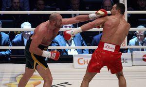 Duesseldorf Wladimir Klitschko und Tyson Fury im Ring Wladimir Klitschko vs Tyson Fury Boxen Schwe / Bild: (c) imago/Eibner (imago sportfotodienst)
