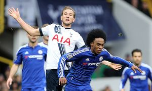 Tottenham s Harry Kane gets booked for bringing down Chelsea s Willian Barclays Premier League Tot / Bild: (c) imago/Sportimage (imago sportfotodienst)