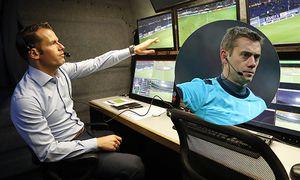 video referee Danny Makkelie Hawk Eye system hawk eye technology during the First Round Dutch Cup / Bild: (c) imago/VI Images (imago sportfotodienst)