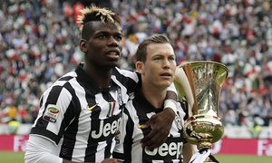 May 23 2015 Turin Italy Paul Pogba and Stephan Lichtsteiner with the Tim Cup the serie A match / Bild: (c) imago/ZUMA Press (imago sportfotodienst)