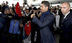 El Real Madrid llega al aeropuerto de Liviv para disputar el partido de la Liga de Campeones contra / Bild: (c) imago/Marca (imago sportfotodienst)