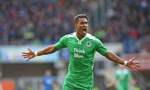 28 11 2015 Fussball 2 Bundesliga 2015 2016 16 Spieltag SC Paderborn 07 TSV 1860 München in der / Bild: (c) imago/MIS (imago sportfotodienst)