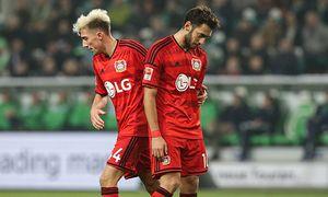 Kevin Kampl li und Hakan Calhanoglu Bayer Leverkusen 1 Fußball Bundesliga Punktspiel Saison / Bild: (c) imago/Christian Schroedter (imago sportfotodienst)