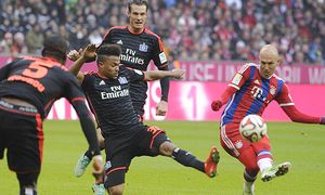 Arjen ROBBEN Bayern Muenchen schiesst das Tor zum 3 0 gegen Ronny MARCOS Hamburger SV Aktion Tor / Bild: (c) imago/Sven Simon (imago sportfotodienst)