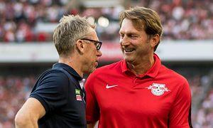 Trainer Ralph Hasenhuettl RB Leipzig und Trainer Peter Stoeger 1 FC Koeln beim Fussball Bundesl / Bild: (c) imago/Eibner (imago sportfotodienst)