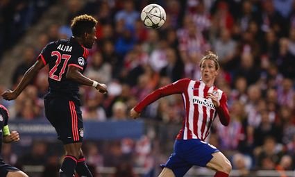 27 04 2016 Madrid Spain David Alaba Bayern Munich challenges Fernando Torres 9 Atletico Madrid