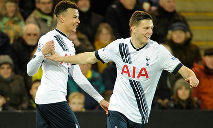 Dele Alli of Tottenham Hotspur celebrate shis goal with Kevin Wimmer 0 1 during the Barclays Premi / Bild: (c) imago/BPI (imago sportfotodienst)