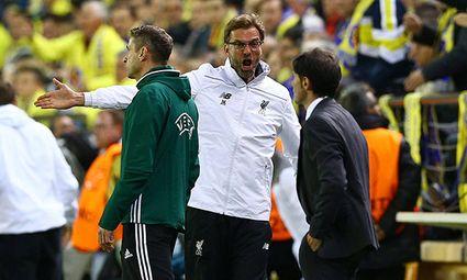 Liverpool manager Jurgen Klopp and Villarreal manager Marcelino get involved in a touchline argument / Bild: (c) imago/BPI (imago sportfotodienst)