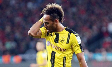 01 10 2016 xovx Fussball 1 Bundesliga Bayer Leverkusen Borussia Dortmund emspor Pierre Emeri / Bild: (c) imago/Jan Huebner (imago sportfotodienst)