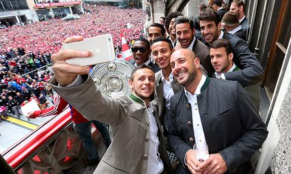 FC Bayern Muenchen Celebrate Winning The Bundesliga / Bild: (c) Bongarts/Getty Images (Alexander Hassenstein)