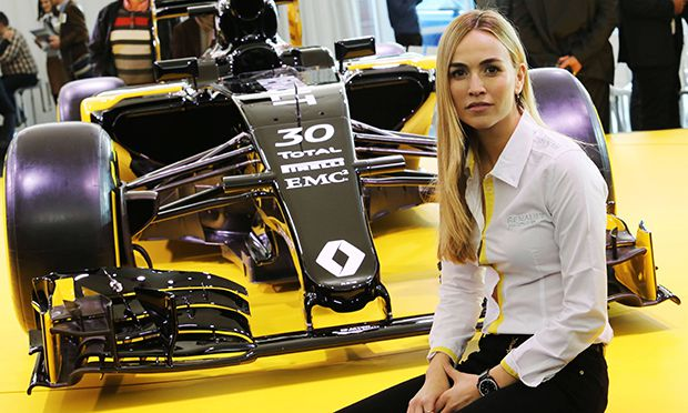 Launch Renault F1 3 February 2016 Carmen Jorda ESP Renault Formula One Team Development Driver / Bild: (c) imago/Crash Media Group (imago sportfotodienst)
