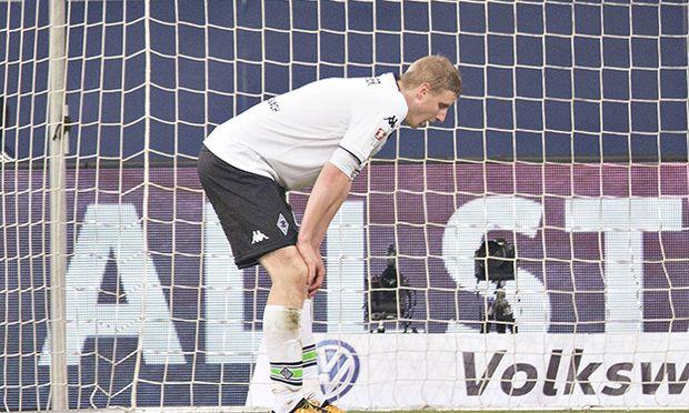 Gelsenkirchen 18 03 2016 Veltins Arena Fußball Martin Hinteregger BMG enttäuscht FC Schalke 04 / Bild: (c) imago/Moritz Müller (imago sportfotodienst)