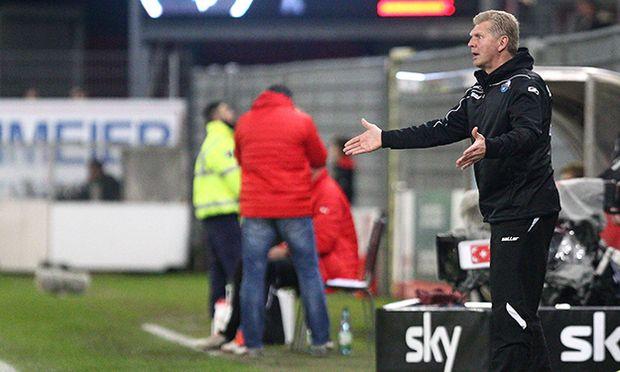 Sandhausen Stefan Effenberg Trainer SC Paderborn 07 ist unzufrieden beim Spiel SV Sandhausen gegen / Bild: (c) imago/Eibner (imago sportfotodienst)