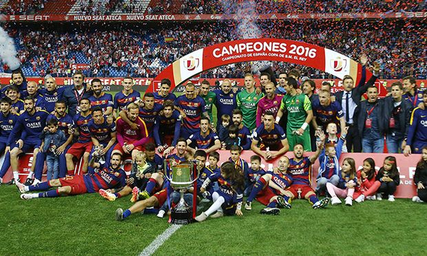 Fußball FC Barcelona gewinnt Copa Del Rey FC Barcelona Barca s team celebrates the victory in the / Bild: (c) imago/Alterphotos (imago sportfotodienst)