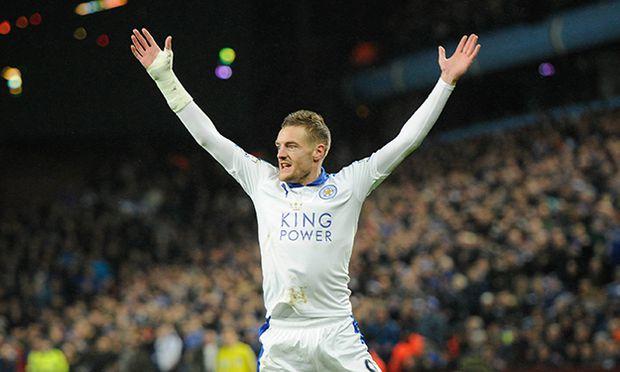 Jamie Vardy of Leicester City celebrates the goal of Shinji Okazaki 0 1 during the Barclays Premie / Bild: (c) imago/BPI (imago sportfotodienst)