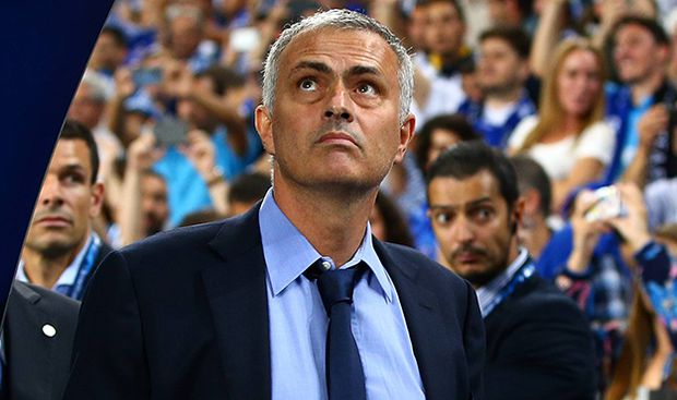Aktuell Fußball Champions League FC Porto FC Chelsea Chelsea manager Jose Mourinho during the UE / Bild: (c) imago/BPI (imago sportfotodienst)