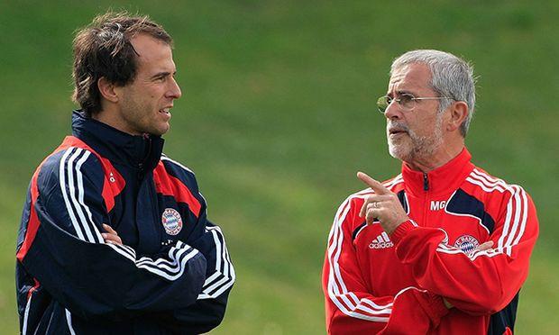 FC Bayern II Training 28 04 2009 Trainer Mehmet Scholl Gerd Müller FC Bayern München 2008 2009 / Bild: (c) imago/Fred Joch (imago sportfotodienst)