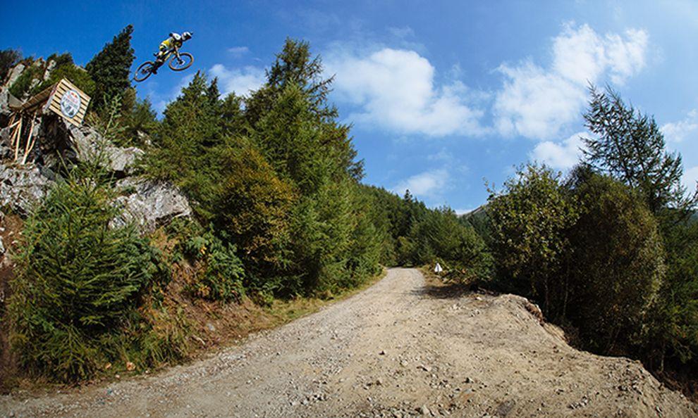 Gee Atherton - Action / Bild: (c) Duncan Philpott / Red Bull Content Pool